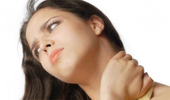 Причины болей в шее по утрам