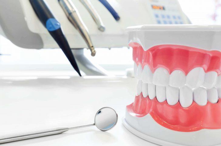 Современная стоматология на Оболони: полный спектр терапевтических, хирургических и эстетических услуг