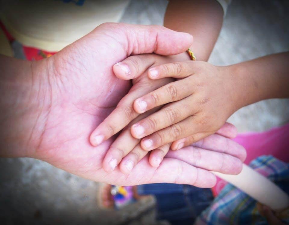 Благотворительность приносит радость