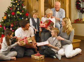 Что принято дарить родителям на Новый год?